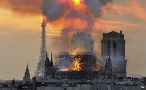 Szeptemberben érkezik a Notre Dame-i tűzvészről készült film