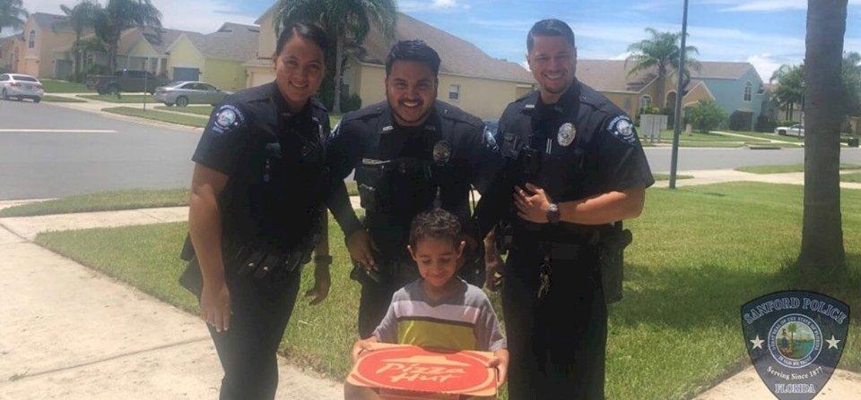 A 911-es számon pizzát rendelni öt évesen több mint vagányság