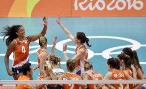 Rendkívül szórakoztató bemelegítést csináltak a holland röplabdás csajok