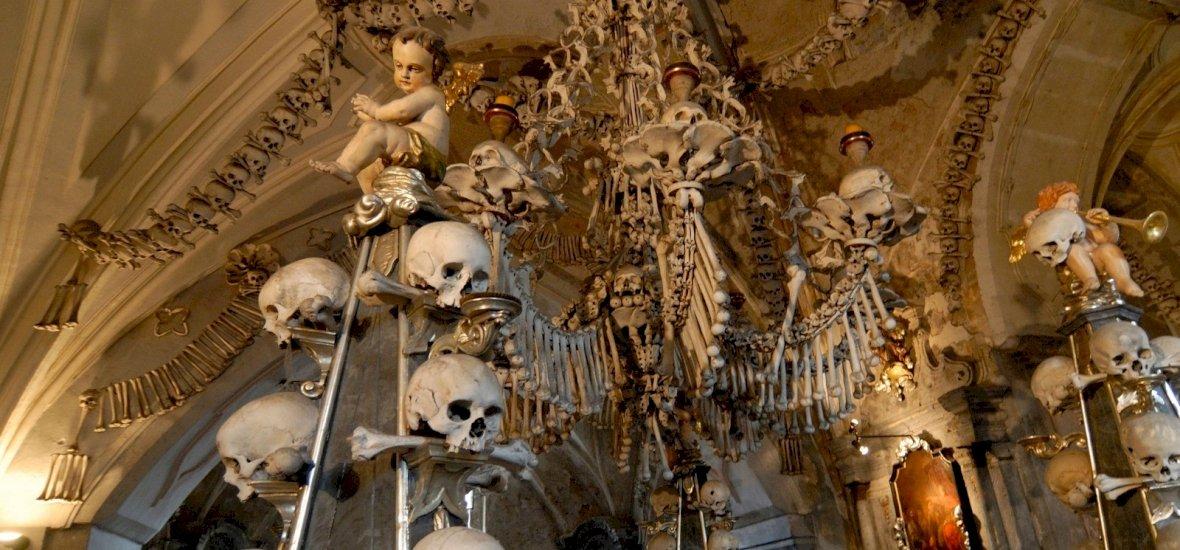 A világhírű cseh csontkápolna maga a megtestesült horror