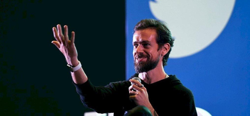 A Kuncogó Különítmény borsot tört a Twitter-főnök orra alá