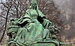 Sissi, azaz Erzsébet királyné gyilkosát fej nélkül temették el
