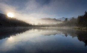 Beköszönt a tipikus októberi időjárás: köd és napsütés