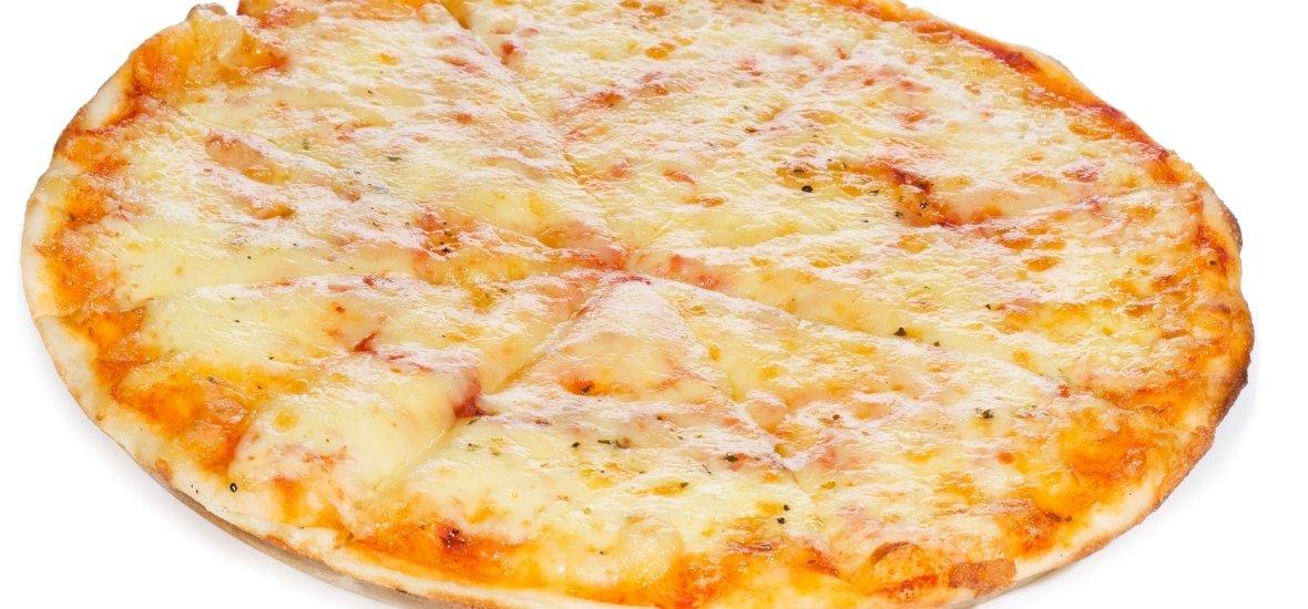 Brutális: 154 különböző sajt egy pizzán - videó