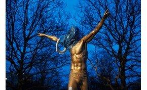 Megrongálták Ibrahimovic szobrát Malmöben