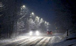 Megérkeztek az első fotók arról, ahogy az országot ellepi a hó