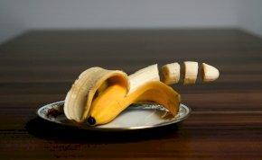 Közel 33 millió forintot ért a világ legdrágább banánja, most felfalták – fotó