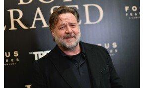 Összefogtak a világsztárok az ausztrál tűz ellen, Russell Crowe is a helyszínen