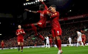 A Liverpool játékosa, ha kell, akkor a vécétakarításban is segít