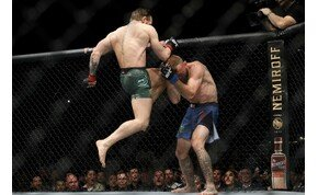 A fenegyerek visszatért: brutális KO-val nyert meccset Conor McGregor – videó
