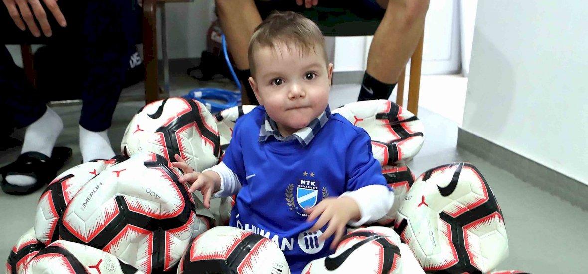 Szívműtétre váró kisfiút segít az MTK