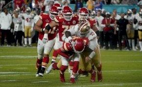 Nincs is jobb, mint kimenni a Super Bowlra szunyálni egyet
