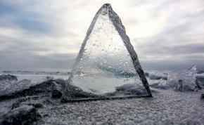 Mi okozza a Bajkál-tó befagyott felszínén megjelenő köröket?