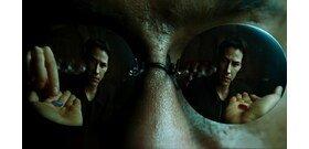 Mi lett volna akkor, ha a Mátrixban Neo a kék pirulát veszi be? – videó