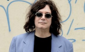 Koronavírusban elhunyt a világhírű I love Rock 'n' Roll szerzője