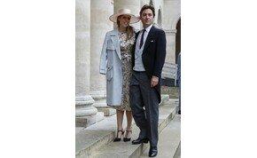 Elmarad II. Erzsébet királynő unokájának esküvője