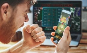 Sok magyar online kaszinózással üti el az időt a házi karanténban