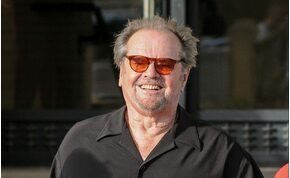 Jack Nicholson kikezdett egy 30 alatti nővel, és szívinfarktust kapott