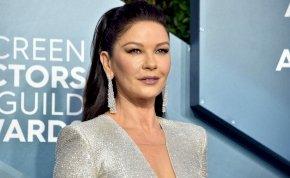 Catherine Zeta-Jones úgy kicsípte magát, hogy nem ismerte fel a telefonja