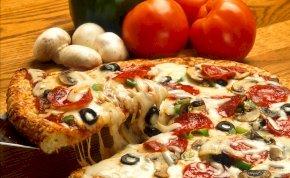 Íme egy nagyon mocskos pizzéria, amitől biztosan nem rendelnél – videó