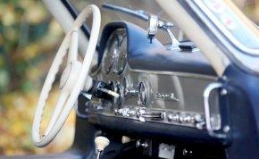 Ötszáz milliót érő Mercedes került elő egy pajtából