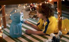Ismerd meg Moxie-t, a tanulást segítő, kedves robotot