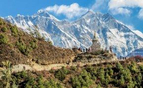 Úgy kitisztult a levegő Nepálban, hogy már Katmanduból is látni lehet a Mount Everestet