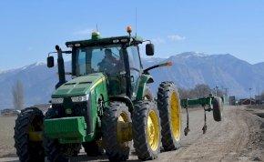 Egy brit férfi beismerte, hogy életében már 450 traktorral közösült