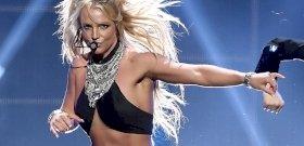 Britney Spears melltartóban és harisnyában akar elcsábítani – válogatás