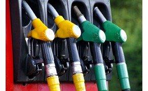 Érdemes teletankolni az autókat, szerdától változnak az üzemanyag-árak