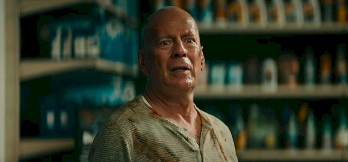 Bruce Willis ismét John McClane bőrébe bújt egy mókás reklámban – videó