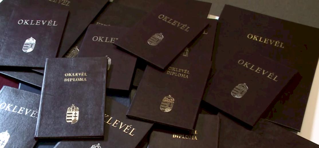 Vajon mennyi diplomája van a magyar rekordernek? – videó