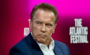 Meg kellett műteni Arnold Schwarzeneggert – képek