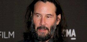 Keanu Reeves új kinézete egyenesen sokkolta a rajongókat – fotók