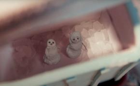 Sia már a karácsonyra hangolódik – videó