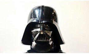 Ellopták Darth Vader eredeti sisakját