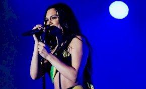 Megsüketült a világhírű énekesnő, Jessie J