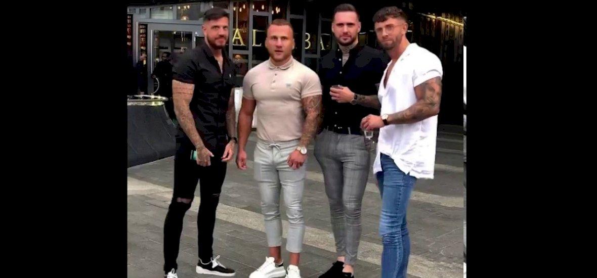 Négy srác elment bulizni, csináltak egy képet, világhírű mém lett belőlük