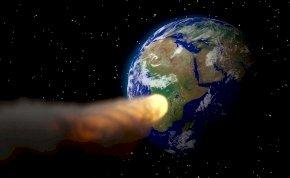 Egy brutális, Golden Gate híd nagyságú aszteroida száguld a Föld felé 124 ezres sebességgel