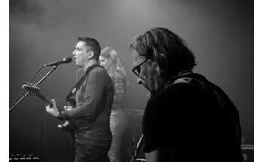 Megható élő videóval jelentkezett a magyar zenekar