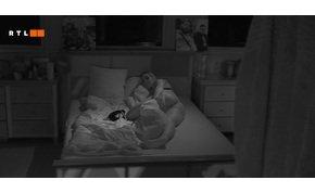 """VV10: VV Vivi megmutatta a """"rést"""", és felkínálta magát VV Bálintnak az ágyban – 18+"""