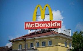 Megtiltották a McDonald's-nak a sárga logó használatát - elképesztő új színt vezettek be