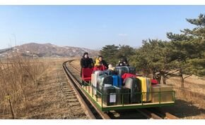 """Az orosz diplomaták """"kézimeghajtású"""" vasúti kocsin hagyták el Észak-Koreát"""