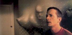 Michael J. Fox csinált egy fantasztikus filmet A Gyűrűk Ura rendezőjével, ami egyszerre félelmetes és vicces – kritika