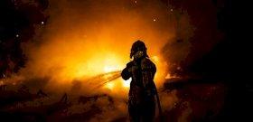Megdöbbentő dologra bukkantak a tűzoltók egy kigyulladt kerti házban – videó