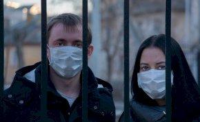 Itt az újranyitás menetrendje - így kezdődik újra az élet Magyarországon