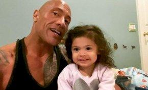 Dwayne Johnsont porig alázta a 3 éves kislánya – videó