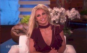 Alattomos összeesküvést sejtenek a rajongók Britney Spears videója mögött