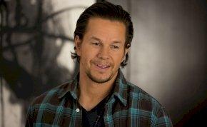 Durván meghízott Mark Wahlberg, pedig pár hete még izompacsirta volt – fotó