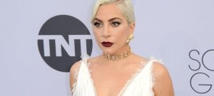 Lady Gaga olyan kerek popsit villantott, hogy máris 2,5 millió ember lájkolta a képet